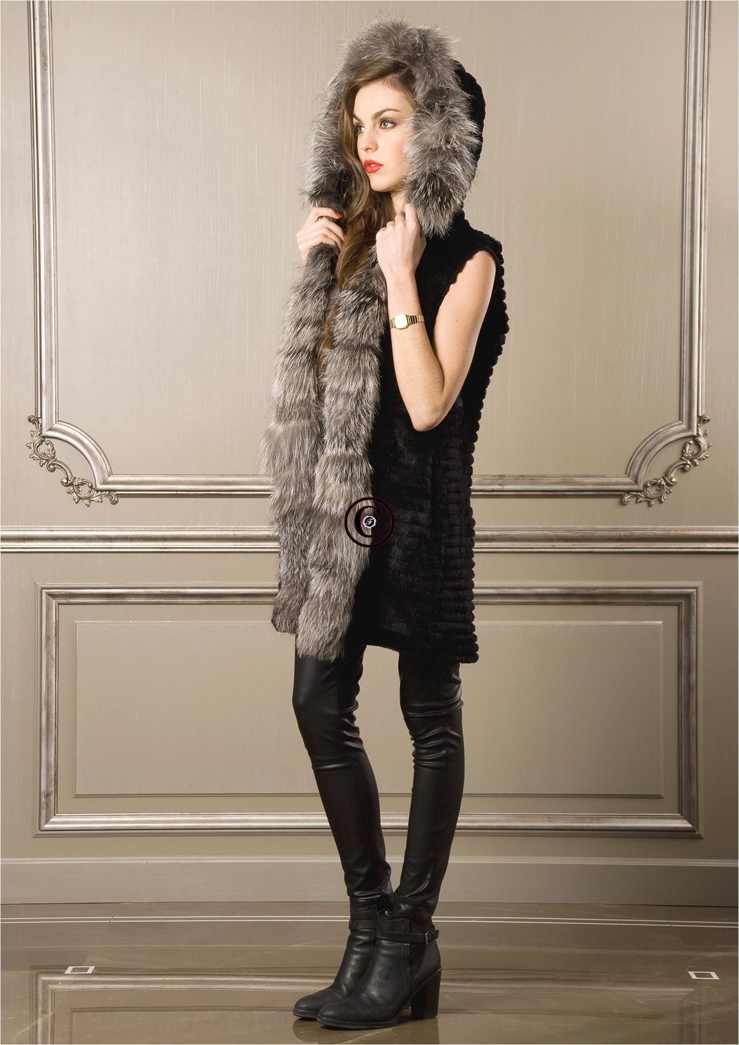 Gilet sans manche en fourrures de ragondin et renard line noir et argent baya - Fourrure noir sans manche ...