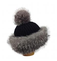 Bonnet tricôté noir en fourrure de renard argenté
