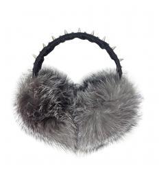 Cache-oreilles en cuir et fourrure de renard